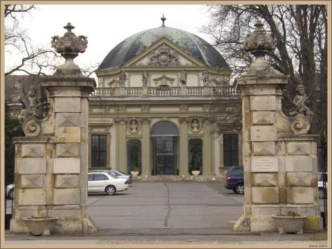 Hungary_Savoya_palace